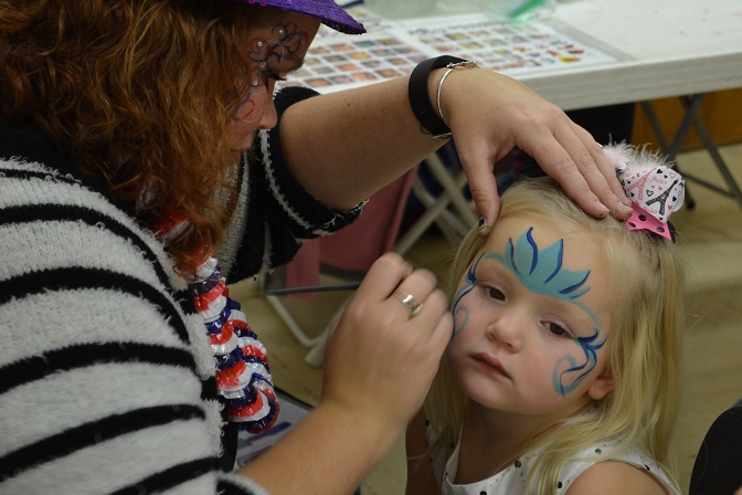sic-new-years-face-painting-4