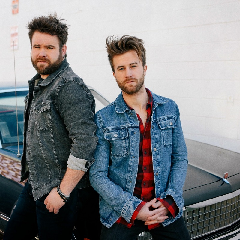 Swon Brothers and Josh Gracin Bring Country Music Concert